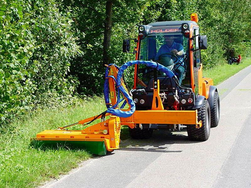 glm-gls-offsetting-mulcher-care-for-roadsides